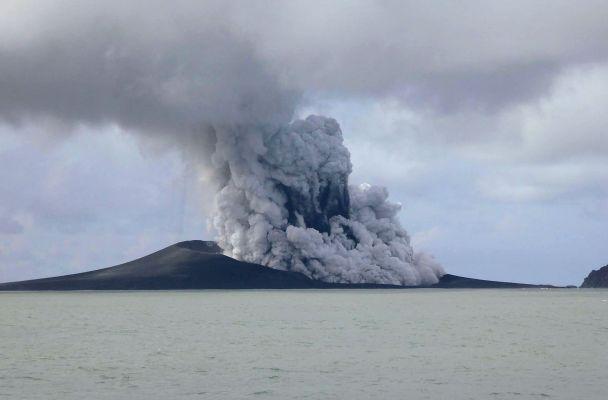TONGA-VOLCANO-ISLAND TON002