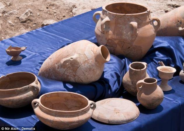 King David Palace Pots